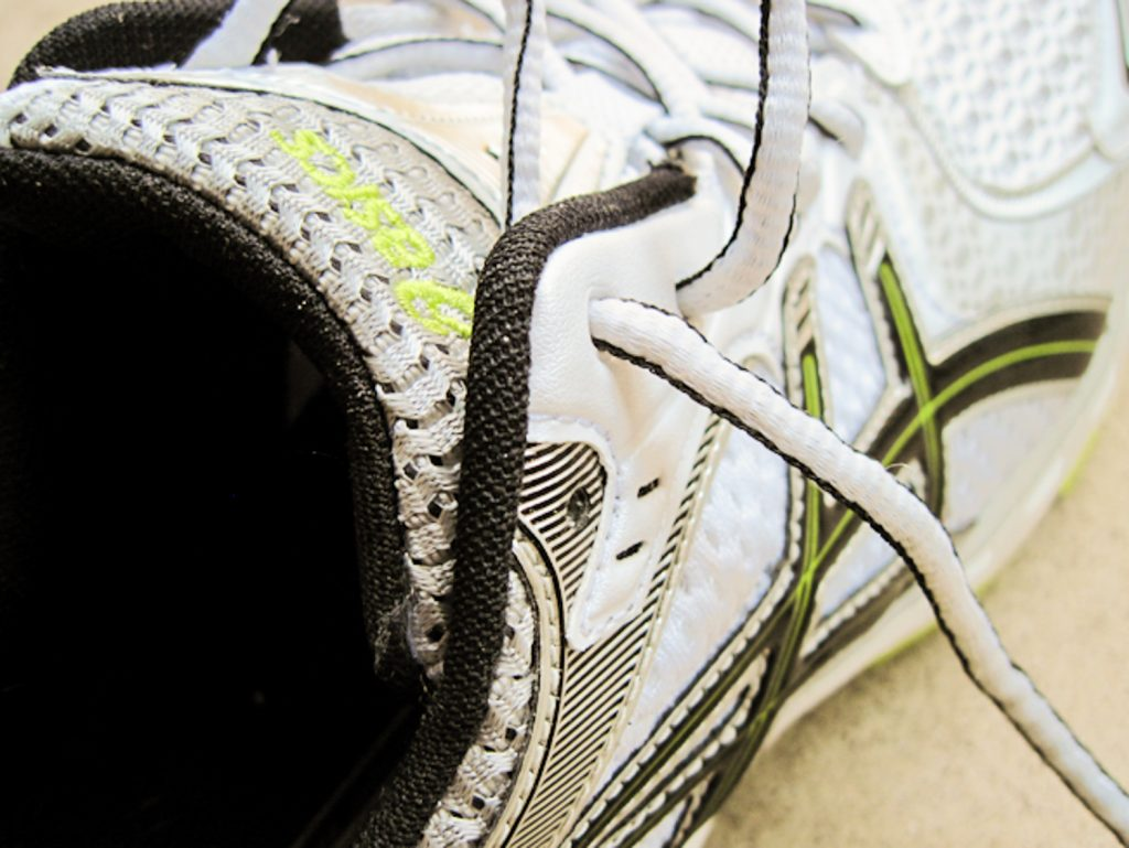 565c0bc6afb4 Step by Step instructions on How to tie Running shoes