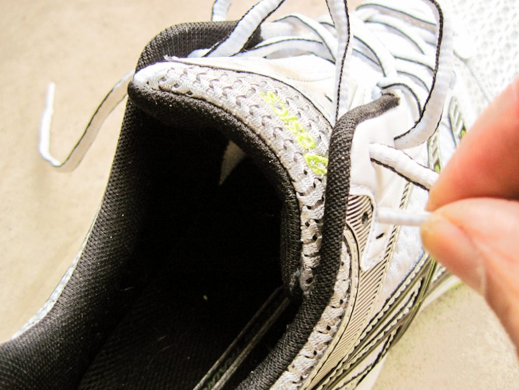 How to tie your running shoes step 2